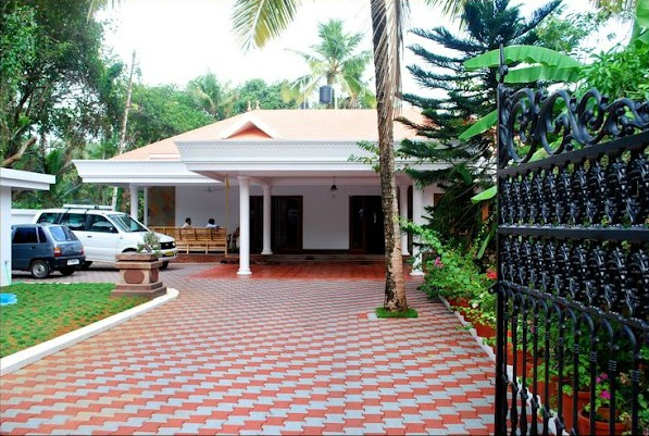 Villa compound wall design kerala joy studio design for Best home compound designs