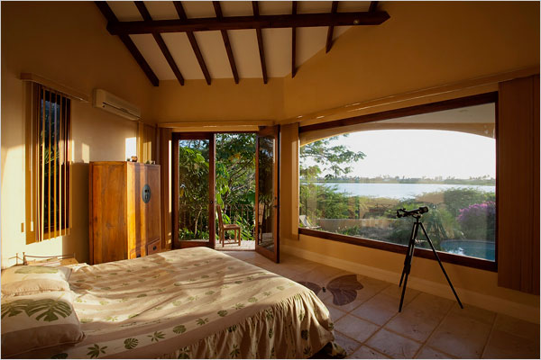 Long Distance Decor   Water View