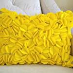 DIY Felt Circles Pillow, Yellow Pillow, DIY Felt circle pillow