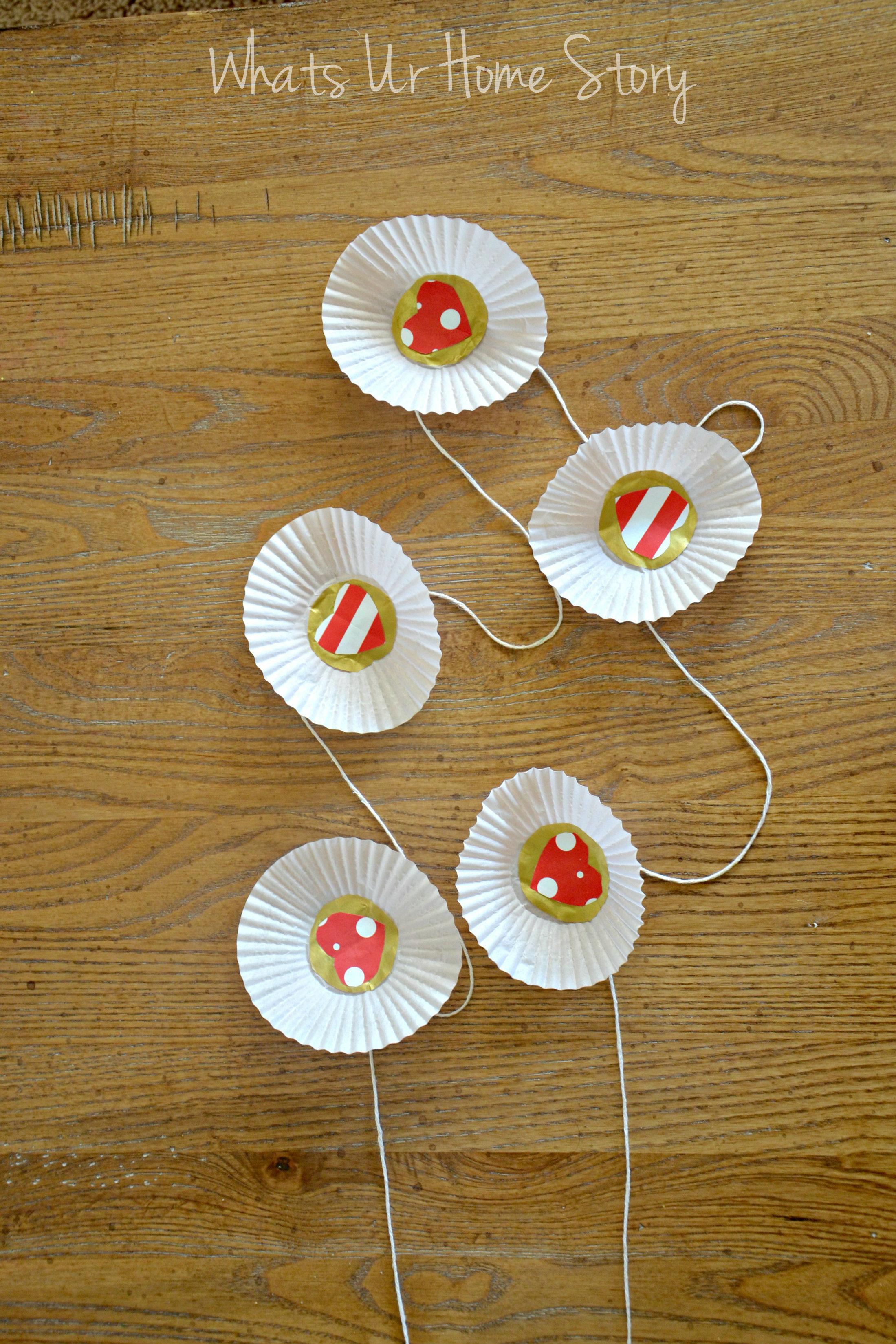 cupcake liner garland,CupcakeLinerValentineGarland,easygarlands,DIYgarlands,cupcakelinercrafts