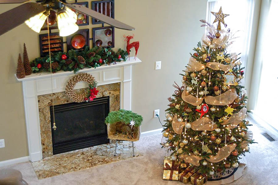 Reader Showcase   Jinas Holiday Mantel
